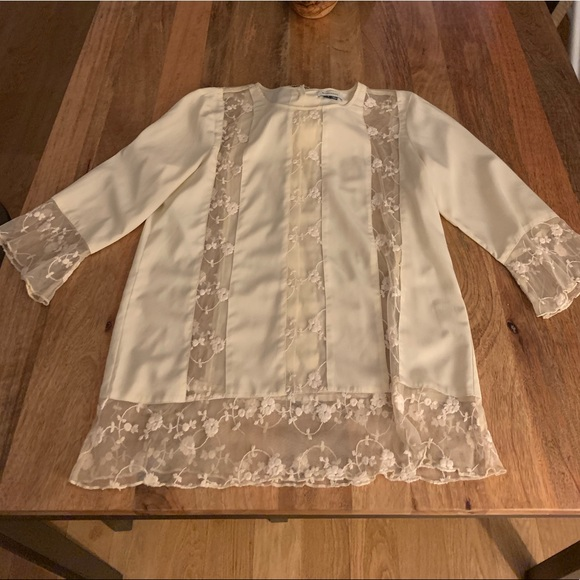 Tops - Gryphon Creme Blouse with lace